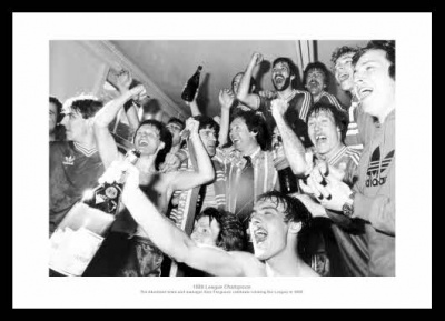 Aberdeen FC 1980 League Champions Team Celebrations Photo Memorabilia