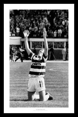 Tommy Burns Celtic Legend 1988 Photo Memorabilia