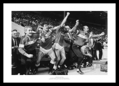 Manchester United 1985 FA Cup Final Bench Celebrations Photo Memorabilia