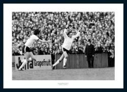 George Best Scores for Fulham 1977 Photo Memorabilia
