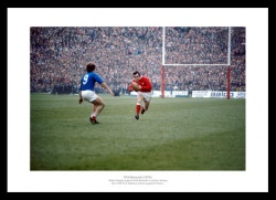 Phil Bennett Photo - 1976 Five Nations Wales Rugby Memorabilia