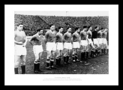 The Busby Babes - 1958 Manchester United Team Photo Memorabilia