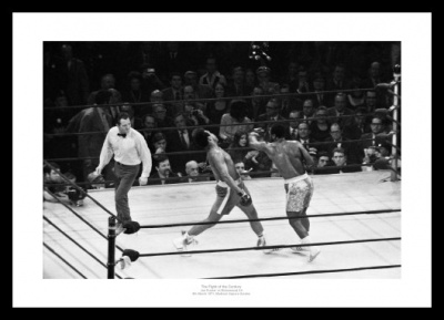 Muhammad Ali v Joe Frazier Fight of the Century 1971 Photo Memorabilia