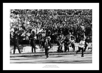 Celtic FC Fans 1967 European Cup Final Celebrations Photo Memorabilia