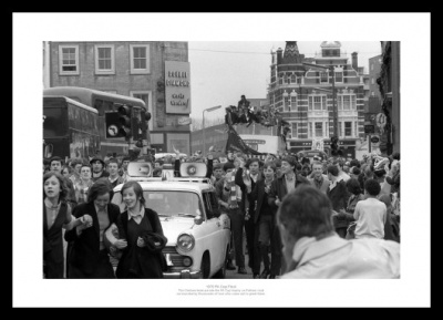 Chelsea FC 1970 FA Cup Final Open Top Bus Photo Memorabilia