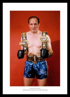 Henry Cooper  '3 Lonsdale Belts' 1967 Boxing Photo Memorabilia