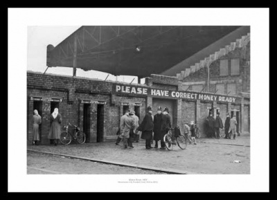 Manchester City Outside Maine Road Stadium 1950 Photo Memorabilia