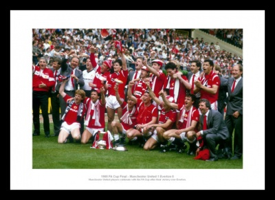 Manchester United 1985 FA Cup Final Team Photo Memorabilia