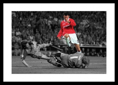 Ryan Giggs Manchester United Legend Spot Colour Photo Memorabilia