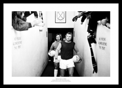 Bobby Moore Last Game for West Ham 1974 Photo Memorabilia