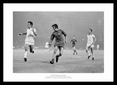 Manchester United 1968 European Cup Final George Best Photo Memorabilia
