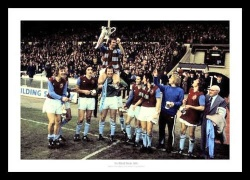 Aston Villa 1975 League Cup Final Celebrations Photo Memorabilia