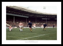 Peter Osgood Print - Chelsea FC Legend 1972 Photo Memorabilia