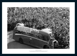 Everton FC 1966 FA Cup Final Open Top Bus Team Photo Memorabilia