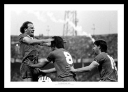 Everton 1985 European Cup Winners Cup Final Photo Memorabilia