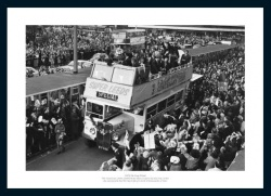 Leeds United 1972 FA Cup Final Open Top Bus Photo Memorabilia