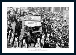 Manchester City 1969 FA Cup Final Open Top Bus Photo Memorabilia