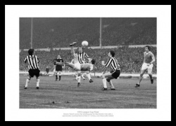 Manchester City 1976 League Cup Final Winning Goal Photo Memorabilia