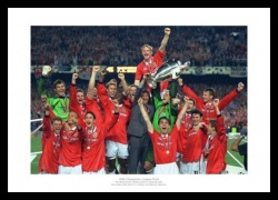 Manchester United 1999 Champions League Team Photo Memorabilia