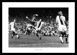 Denis Law Manchester United Legend Photo Memorabilia