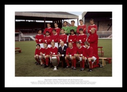 Manchester United 1968 European Cup Team & Trophy Photo Memorabilia