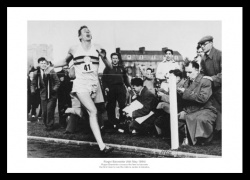 Roger Bannister Breaks 4 Minute Mile Photo Memorabilia