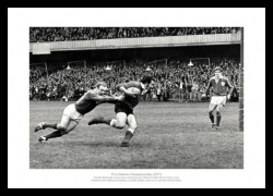 Gareth Edwards 1971 Wales Grand Slam Rugby Photo Memorabilia
