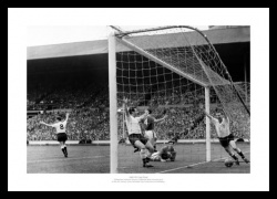 Tottenham Hotspur 1961 FA Cup Final Goal Photo Memorabilia