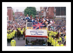 Tottenham Hotspur 1991 FA Cup Final Celebrations Photo Memorabilia