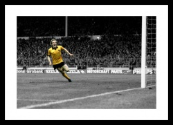 Andy Gray Wolves 1980 League Cup Final Spot Colour Photo Memorabilia
