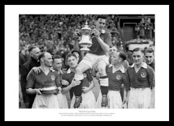Portsmouth FC Memorabilia - 1939 FA Cup Final Team Photo
