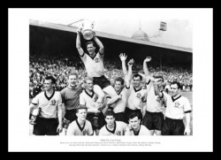 Wolverhampton Wanderers 1960 FA Cup Final Team Photo Memorabilia